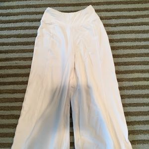 Lululemon Cropped Wide Pants